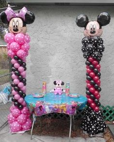 Mickey and or Minnie latex balloon columns