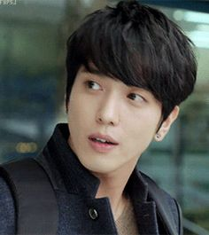 Yes this would be my Ultimate Bias! Jung Yonghwa.