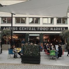 Yesterday we spent some time at the new Aarhus Central Food Marked. So nice to see, how much has changed in Aarhus! Happy sunday to you all. Aarhus, Odense, Central Food, Happy Sunday, Bakery, Road Trip, Nice, Heart, Places