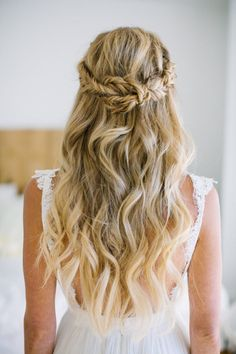In love with this knotted fishtail braid crown