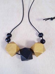 Ketten mittellang - Kette ⎔ Lederband mit geometrischen Holzperlen ⎔ - ein Designerstück von faitmaison bei DaWanda