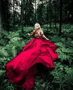 Getting Moody With Selection: Admin Kikine Assemat Location: Russia Tag for Features Fantasy Photography, Creative Photography, Portrait Photography, Fashion Photography, Street Photography, Wedding Photography, Debut Photoshoot, Shotting Photo, Fantasy Dress