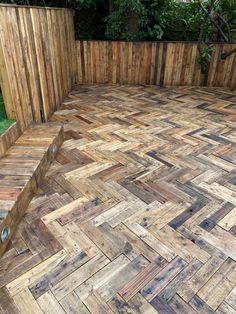 Pallet Walkway, Backyard Walkway, Pallet Decking, Outdoor Walkway, Decking Area, Backyard Plan, Backyard Patio Designs, Outdoor Flooring, Backyard Retreat
