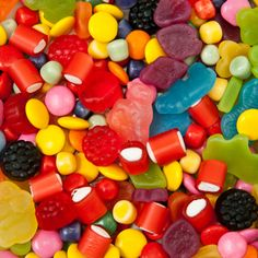 Even though candy seems cruelty-free, you may be surprised what animal products are lurking in the supermarket sweets aisle. Here's a list of vegan candies to keep in mind when you need a vegan sweet treat. Foods Diabetics Should Avoid, Cancer Causing Foods, Cancer Cells, Vegan Candies, Pick And Mix, Colorful Candy, Favorite Candy, Sugar Cravings, Slow Food