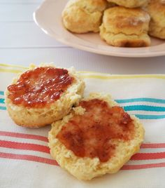 This 3 ingredient Lemonade Scone recipe is seriously simple and gives you soft and fluffy scones - what more could you ask for? 3 Ingredient Scones, Lemonade Scone Recipe, No Bake Slices, 21st Party, Fruit Drinks, 3 Ingredients, Tray Bakes, Cooking Time, Food Print