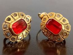 Catawiki online auction house: 18 kt. Gold - Earrings - 1.00 ct Synthetic Ruby - Diamond 18k Gold Earrings, Antique Earrings, Diy Earrings, Gemstone Jewelry, Diamond Jewelry, Antique Jewelry, Gold Jewelry, Vintage Jewelry, Antique Gold
