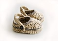 Items similar to Crochet Baby boy sailor shoes, baby loafers on Etsy Resultado de imagen para Free Crochet Baby Sailor Hat Pattern/etsy*com You will love this Crochet Moccasins Tutorial and we have a free pattern, video tutorial plus show you how to make Booties Crochet, Crochet Baby Boots, Crochet Baby Sandals, Crochet Shoes, Crochet Slippers, Cute Crochet, Crochet For Kids, Baby Booties, Knit Crochet