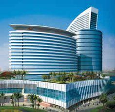 15 Most Beautiful Hotels Around The World Dubai Architecture, Residential Architecture, Amazing Architecture, Modern Architecture, Dubai City, Dubai Hotel, Plaza Hotel, Carl Sagan, Amazing Buildings