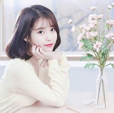 IU😍 Iu Short Hair, Short Hair Styles, Long Hair, Korean Actresses, Korean Actors, Iu Twitter, Illustration Girl, Korean Celebrities, Tumblr Girls