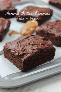 Almond Butter Brownies (gluten free, paleo, vegan) sweetened with dates Gluten Free Sweets, Paleo Dessert, Healthy Sweets, Vegan Desserts, Just Desserts, Delicious Desserts, Vegan Recipes, Dessert Recipes, Vegan Treats