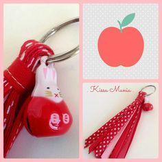 """Porte clés pompon rose et rouge à pois blancs, biais assortis, petit grelot lapin japonais """"Sweet bunny"""" : Porte clés par kissa-mania"""
