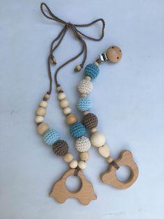 Conjunto de collar de lactancia y juguete de dentición. Modelo Carlitos. 100% hecho a mano. Nursing necklace.Teething Bracelet de Trapitobebe en Etsy