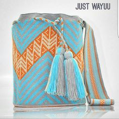 Part of our new collection Handcrafted handbags made by indigenous wayuu in the north of Colombia. Worldwide shipping – envíos mundiales – PayPal WA +57 3188430452 #seoul #ootd #mochilas #wayuu #handmade #boho #hippie #bohemian #trendy #knitting #australia #miami #Handgjord #Handgemacht #Handgemaakt #faitmain #london #australia #wayuubags #winter #Netherlands #handcrafted #fashion #style #france #newyotk #Japan #california #miami #Hæklet #newyork