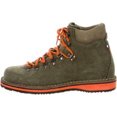 Pre-owned Diemme Suede Roccia Vet Boots (13.070 RUB) ❤ liked on Polyvore featuring men's fashion, men's shoes, men's boots, burgundy, mens lace up shoes, mens hiking boots, mens suede lace up boots, mens suede boots and mens suede shoes