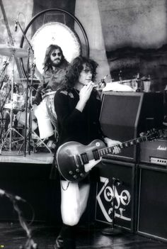 Jimmy Page. Led Zeppelin, Oakland 7-24-77