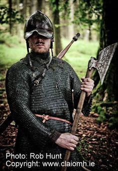 The Last Grasp film shoot Autumn 2010 - Claíomh Scottish Warrior, Irish Warrior, Irish Costumes, Irish Clothing, Battle Axe, Irish Culture, Medieval Weapons, Samurai Warrior, Sith
