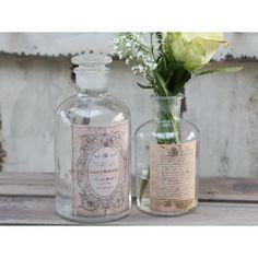 Piękne ozdobne buteleczki nadające się w sam raz na przykład na sól do kąpieli.  Więcej na : www.lawendowykredens.pl