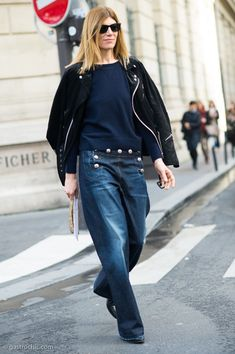I hereby swear to acquire a pair of those jeans. #VirginiaSmith looking fully awesome in Paris.