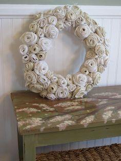 love this burlap wreath