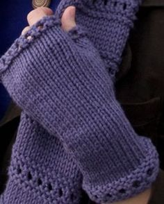 9 Best Images of Mitten Knitting Patterns Free Printable - Free Knitted Fingerless Gloves Pattern, Knitted Mittens Pattern Free and Free Knitting Loom Mitten Pattern Fingerless Gloves Knitted, Crochet Gloves, Knit Mittens, Knit Or Crochet, Free Crochet, Crochet Granny, Crotchet, Easy Crochet, Loom Knitting