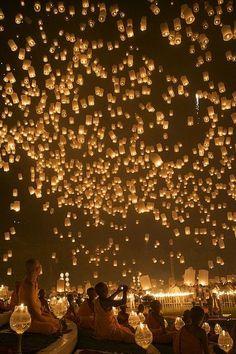 Festa delle lanterne in Thailandia. Stupenda!