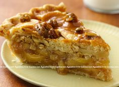 Apple pie pinoli noci e nocciole In Cucina Con Agostino apple mele frolla pinoli noci nocciole farina uova burro cannella dolce torta