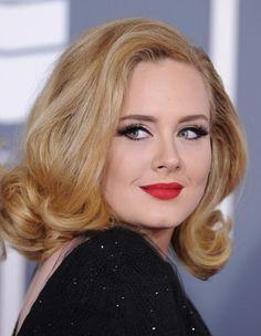 Marre de pleurer sur « Someone Like You » ? Envie de nouvelles chansons mélancoliques d'Adele ? Vous allez être heureuse  http://www.elle.fr/Loisirs/Musique/News/Decouvrez-deux-chansons-inedites-d-Adele-2760380
