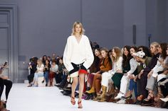 Chloé Spring 2017 Ready-to-Wear Atmosphere and Candid Photos - Vogue