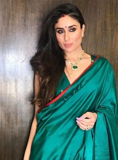Kareena Kapoor Looks Stunning As She Enjoys Karan Johar 's Magical Diwali Bash - HungryBoo Bollywood Celebrities, Bollywood Fashion, Bollywood Actress, Bollywood Girls, Bollywood Stars, Saree Fashion, Bollywood Wedding, Indian Bollywood, Indian Celebrities