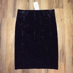 Forever 21 black velveteen skirt Forever 21 black velveteen skirt. Very feminine! Never worn! New with tags! No trades please. Make an offer! Forever 21 Skirts