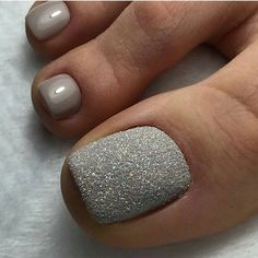 Pedicure Nail Art Design, If you've got hassle decisive that color can best suit your nails, commit to mirror this season or your mood! Pretty Toe Nails, Cute Toe Nails, Fancy Nails, Gorgeous Nails, Love Nails, My Nails, Glitter Toe Nails, Gel Toe Nails, Gel Toes