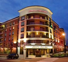 Hampton Inn & Suites Nashville Downtown - Hotels.com - Hotel rooms with reviews. Discounts and Deals on 85,000 hotels worldwide