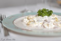 tortellini panna prosciutto, un classico della tradizione italiana