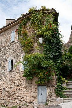 Menerbes, Vaucluse, Luberon, Provence, France.