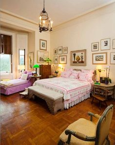 Lauren Baccall Dakota Apartment. This is how she lived for the last 53 years and now everything is up for auction and this 26 million dollar apartment is up for sale.
