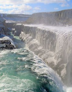 Waterfall in Gullfoss, Iceland - This waterfall is amazing to behold! You understand how small we are compared to nature! Places To See, Places To Travel, Travel Destinations, Travel Tourism, Beautiful World, Beautiful Places, Amazing Places, Beautiful Scenery, Awesome Things