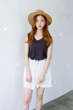 Flute Lace Sleeveless Tee | Korean Fashion