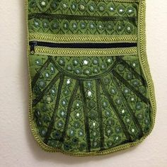 Green embroided handbang
