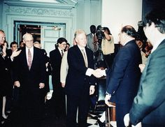 President Bill Clinton visiting Legislative Hall, Dover, Delaware.  May 8, 1998.