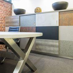 De kleuren zijn gekozen op basis van de zakelijke loungesfeer die de opdrachtgever aan het kantoor wilde geven.  De ideale MIX Factor met Decoratief Plaatmateriaal van DecoLegno by Cleaf. www.decolegno.nl  #horsten #prorisc #decolegno #structuren #MIXFactor #decoratiefplaatmateriaal #cleaf #interieur