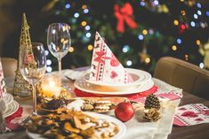 Olá pessoal!! O Natal está chegando e, além da decoração, da programação de festas e da escolha dos presentes, é tempo de começar a programar um cardápio irresistível para toda a família. É possíve…