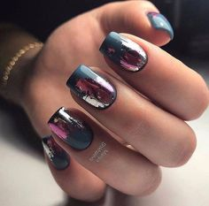 Make an original manicure for Valentine's Day - My Nails Get Nails, How To Do Nails, Manicure Gel, Best Nail Art Designs, Dark Nail Designs, Dark Nails, Dark Nail Art, Foil Nails, Foil Nail Art