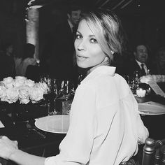 #RobertaRuiu Roberta Ruiu: I'm ready to smile — #latergram #fridaynight #bw #dinner #blackandwhite #shine #love #girly #blonde #fashionable #weekend #portrait #beauty #table #roses #glamour #goodnignt