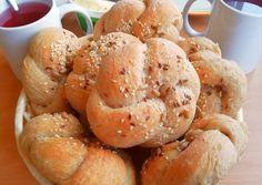 Homemade Dinner Rolls, Pretzel Bites, Bagel, Lunch Box, Food And Drink, Bread, Baking, Recipes, Homemade Bagels