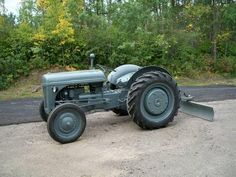 I really want to restore my grandpa's Ford Even if I only use it to plow the driveway. Old Ford Trucks, Lifted Chevy Trucks, Big Trucks, Pickup Trucks, Antique Tractors, Vintage Tractors, Vintage Cars, 8n Ford Tractor, Classic Tractor