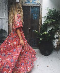 24 Boho Dress That Will Make You Look Fabulous - Fashion Owner Hippie Style, Estilo Hippie Chic, Bohemian Style, My Style, Fast Fashion, Look Fashion, Diy Fashion, Fashion Tips, Fashion Trends