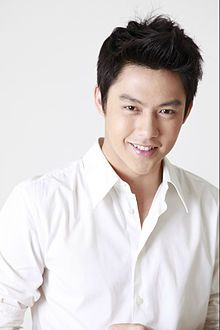 Prin Suparat - Wikipedia Asian Actors, Korean Actors, Taiwan Drama, Mark Prin, Actor Photo, Thai Drama, Ferdinand, Drama Movies, Hot Boys
