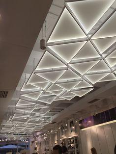 帝典斯非标灯饰  电话:13631582176(微信同号)专业定制设计非标工程灯具,具有创新能力以及设计能力的一只强大的队伍,承接国内外各大酒店售楼部样板房豪宅会所灯具的设计与生产。 Office Ceiling, Home Ceiling, Ceiling Beams, Ceiling Lights, Ceilings, Facade Lighting, Interior Lighting, Lighting Design, Lighting Ideas