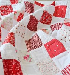 Today i thought i'd write about this old red and white checkerboard quilt of mine.....there have been so many enquiries about it over the years even though it is such a very simple design........ ..