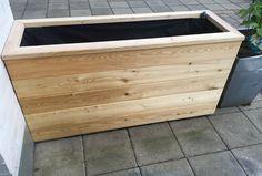Gjør det selv – blomsterkasse i Sibirsk Lerk med selvvanning – Gjør det selv Planter Box Plans, Wood Planter Box, Wood Planters, Patio Edging, Outdoor Projects, Outdoor Decor, Plant Box, Sustainable Design, Garden Inspiration